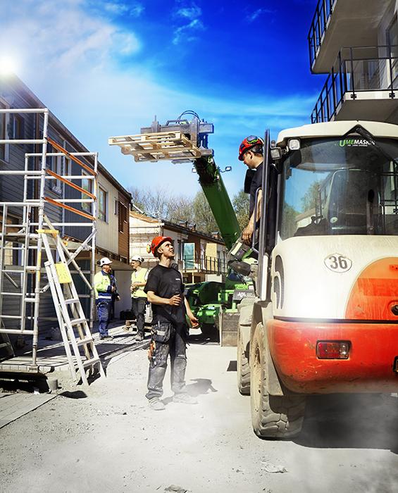 Elever på byggarbetsplats
